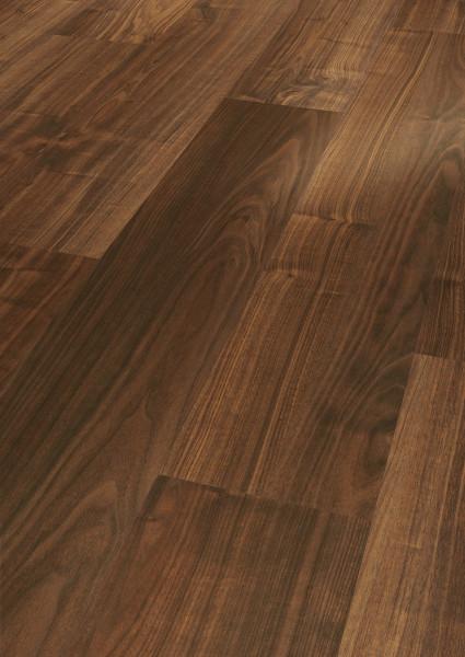Laminat Basic 200 Walnuss Holzstruktur Landhausdiele