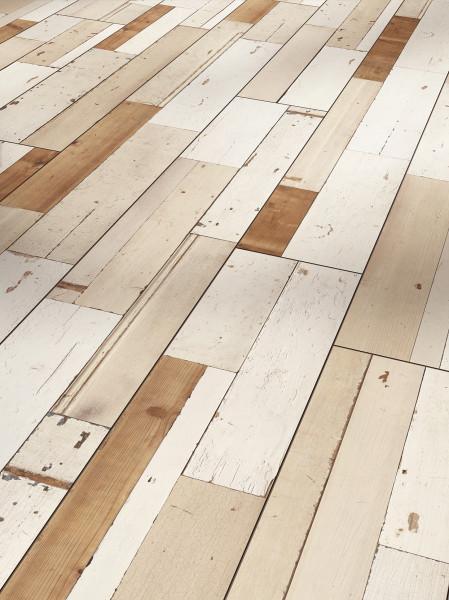 Laminat Trendtime 6 4V Brushboard White Seidenmatte Struktur gefast